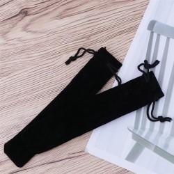 Universalūs maišeliai iš aksomo rašymo priemonėms.